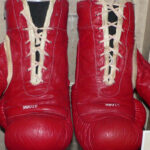 Ali's gloves auctioned